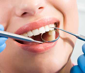 Dr. E. Griffin Cole is a dentist in Austin, TX who helps patients in understanding the process of achieving a healthy smile, while fully understanding the advantages of certain procedures such as root canal therapy.